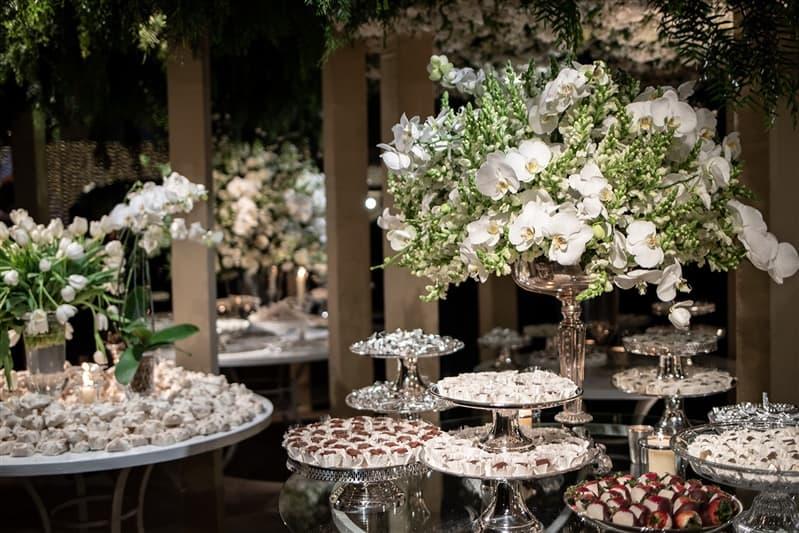 Casamento-Amanda-e-Flavio-Hotel-Unique-Anna-Quast-e-Ricky-Arruda-Babi-Leite-1-18-Project-Andre-Pedrotti-114-doces