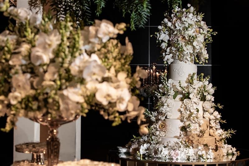 Casamento-Amanda-e-Flavio-Hotel-Unique-Anna-Quast-e-Ricky-Arruda-Babi-Leite-1-18-Project-Andre-Pedrotti-121-Bolo-The-King-Cake