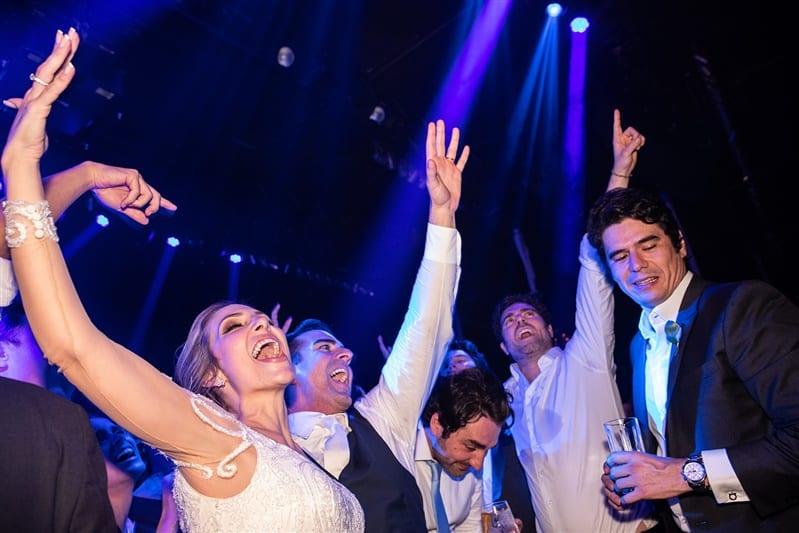 Casamento-Amanda-e-Flavio-Hotel-Unique-Anna-Quast-e-Ricky-Arruda-Babi-Leite-1-18-Project-Andre-Pedrotti-Dj-Herique-Sechhi-Banda-Sams-festa1556