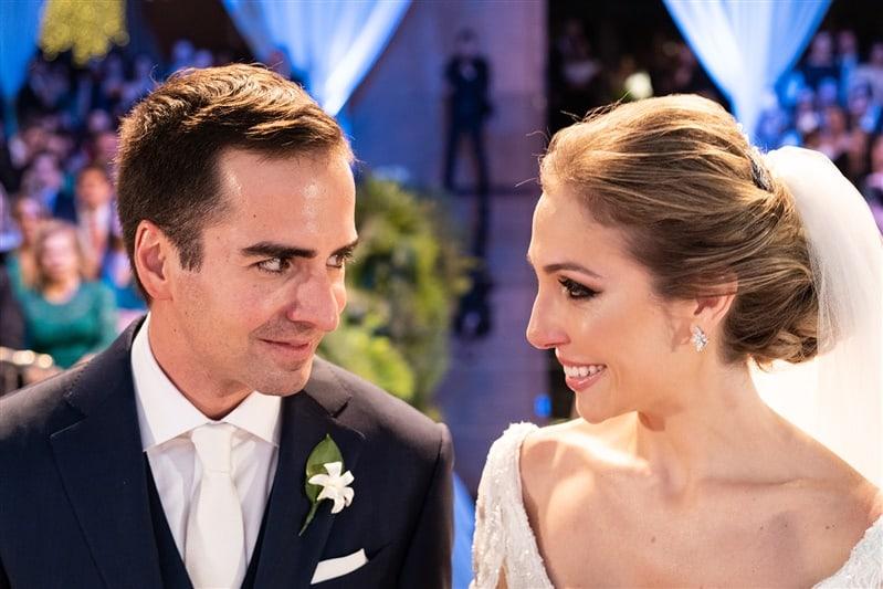 Casamento-Amanda-e-Flavio-Hotel-Unique-Anna-Quast-e-Ricky-Arruda-Babi-Leite-1-18-Projectvestido-Junior-Santaella-buque-Andre-Pedrotti-0-cerimonia