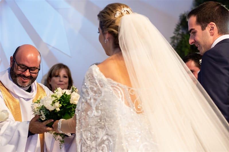 Casamento-Amanda-e-Flavio-Hotel-Unique-Anna-Quast-e-Ricky-Arruda-Babi-Leite-1-18-Projectvestido-Junior-Santaella-buque-Andre-Pedrotti-73-cerimonia
