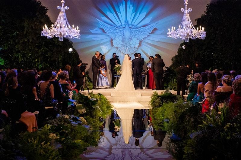 Casamento-Amanda-e-Flavio-Hotel-Unique-Anna-Quast-e-Ricky-Arruda-Babi-Leite-1-18-Projectvestido-Junior-Santaella-buque-Andre-Pedrotti-78-2-cerimonia
