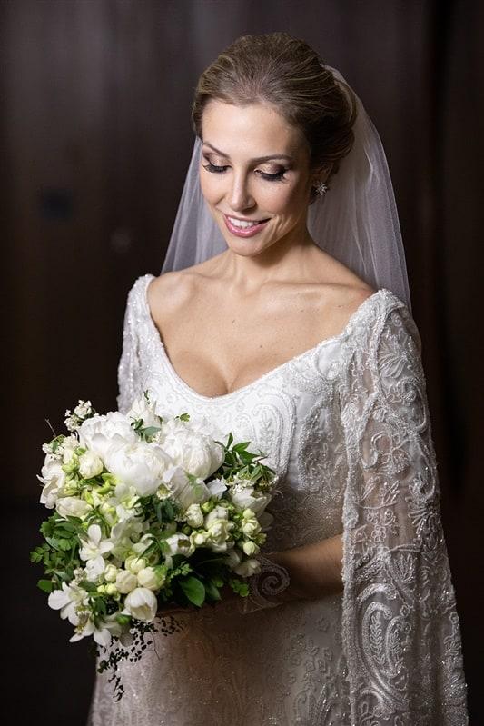 Casamento-Amanda-e-Flavio-Hotel-Unique-Anna-Quast-e-Ricky-Arruda-Babi-Leite-making-of-buque-Andre-Pedrotti-48