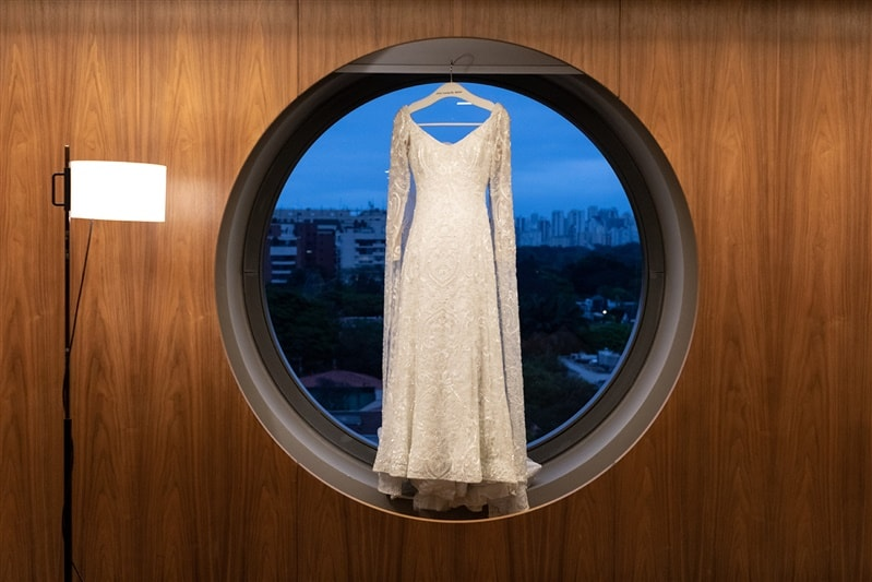 Casamento-Amanda-e-Flavio-Hotel-Unique-Anna-Quast-e-Ricky-Arruda-Babi-Leite-making-of-vestido-de-noiva-veu-grinalda-Junior-Santaella164