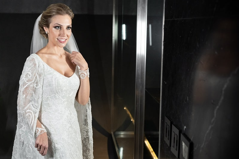 Casamento-Amanda-e-Flavio-Hotel-Unique-Anna-Quast-e-Ricky-Arruda-Babi-Leite-making-of-vestido-de-noiva-veu-grinalda-Junior-Santaella321