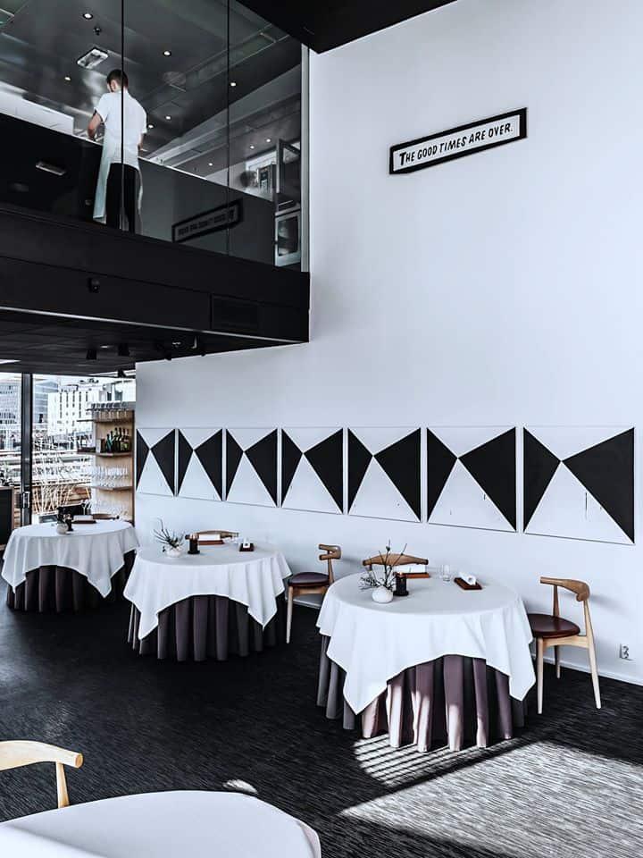 Com-três-estrelas-Michelin-o-Maaemo-é-um-dos-mais-renomados-restaurantes-da-Noruega.