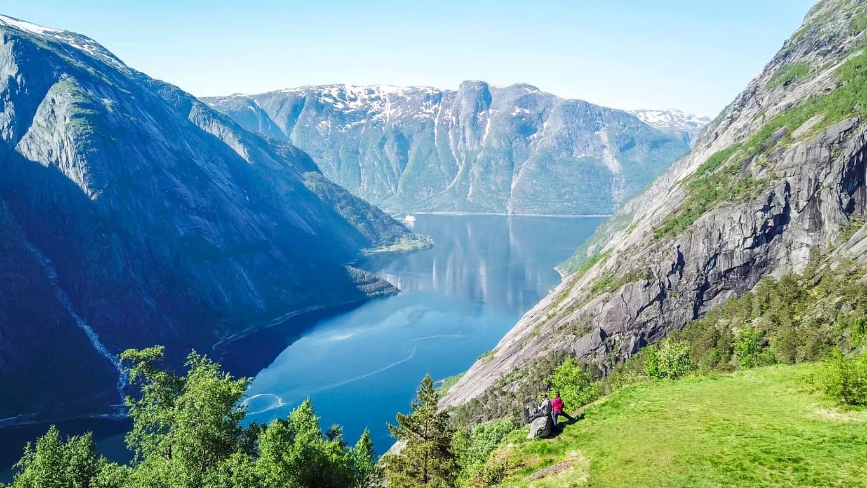 Dos-impressionantes-fiordes-aos-fenômenos-naturais-como-a-aurora-boreal-a-Noruega-é-dona-de-riquezas-naturais-milenares.