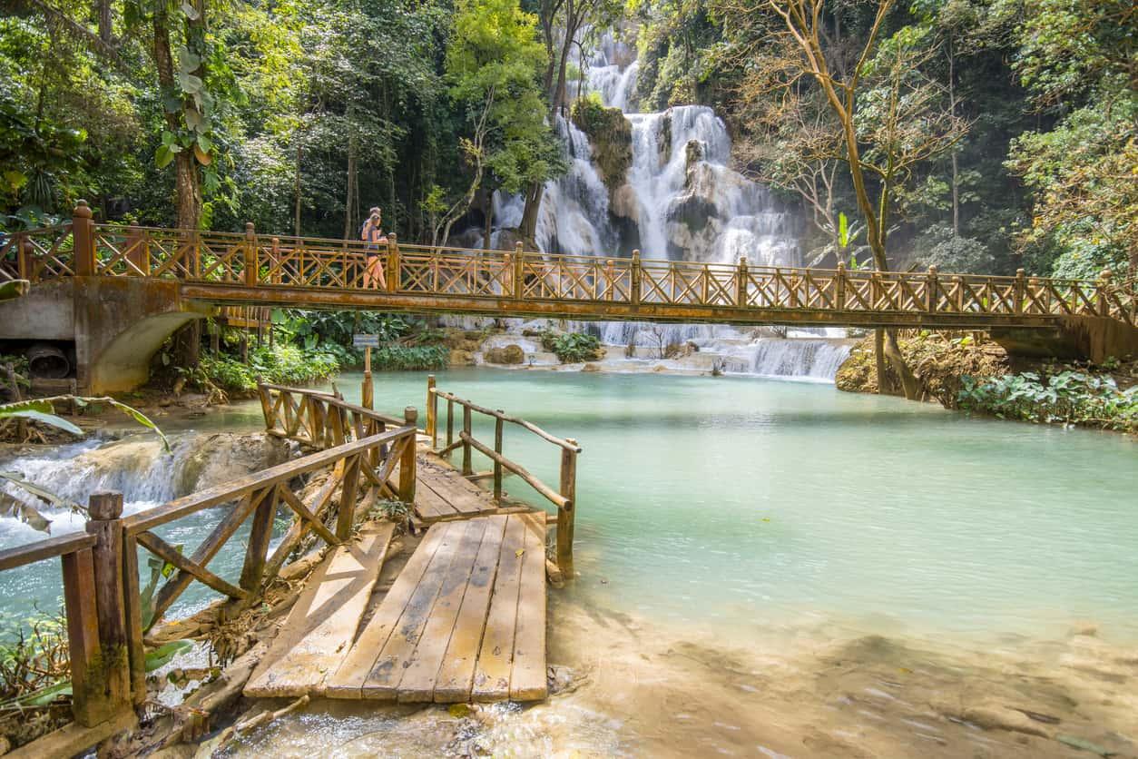 Em-Luang-Prabang-estão-algumas-das-atrações-naturais-mais-belas-do-sudoeste-asiático-como-as-cachoeiras-de-Kuang-Si.