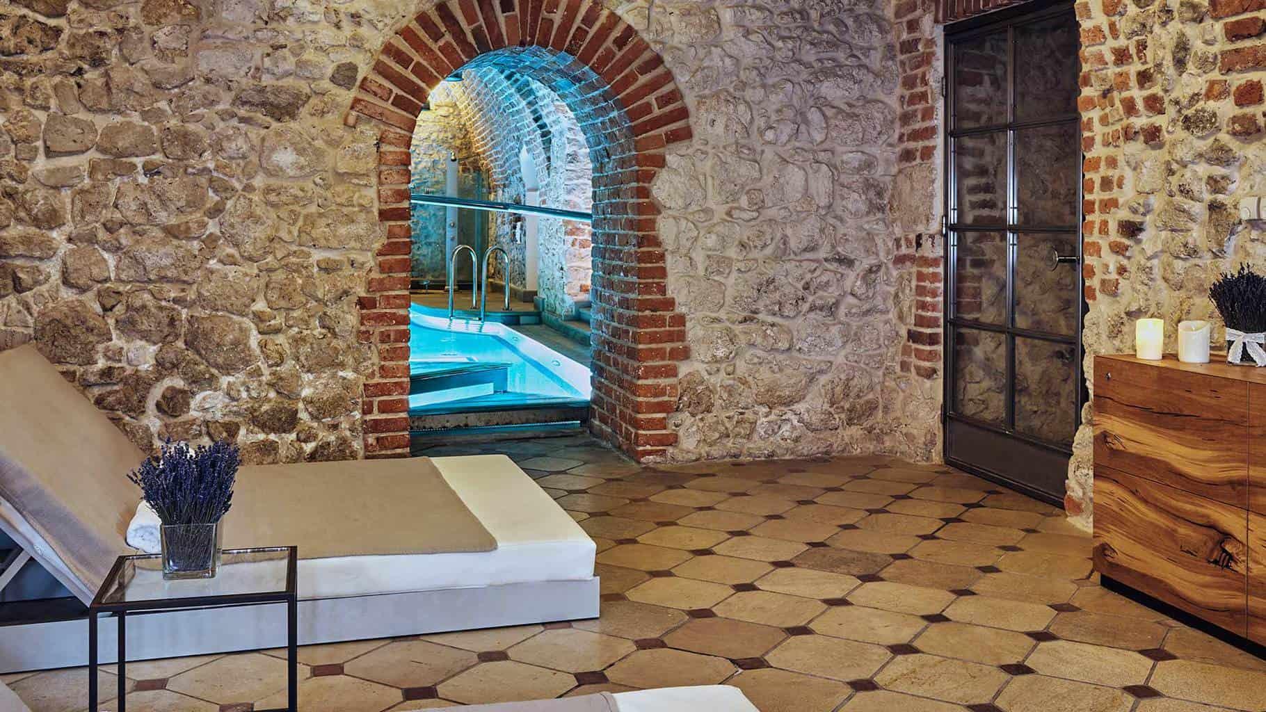 O-Hotel-Copernicus-combina-tradição-e-modernidade-localizado-em-uma-das-ruas-mais-belas-de-Cracóvia.
