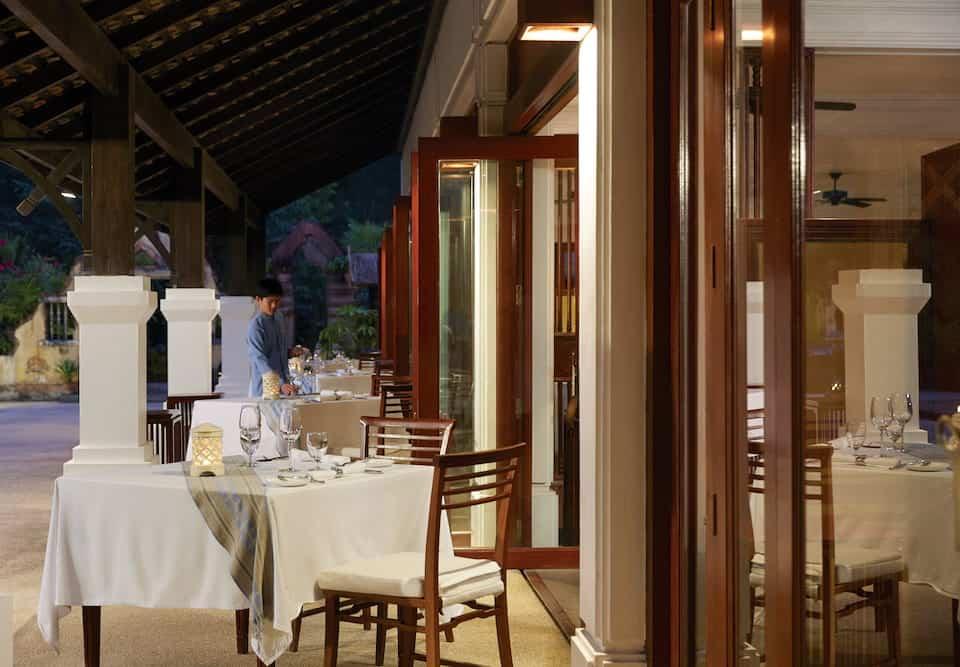 O-Mountain-Terrace-investe-na-cozinha-francesa-criativa-combinada-a-vários-toques-da-gastronomia-de-Laos.