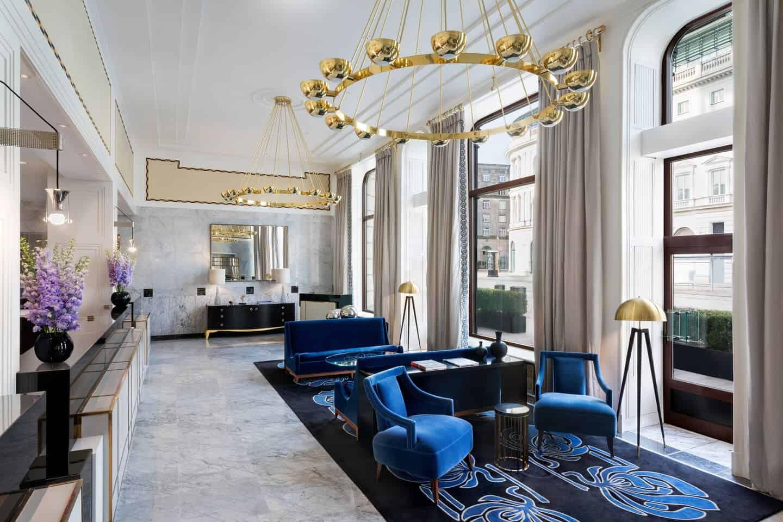 O-interior-elegante-do-Hotel-Bristol-é-decorados-com-elemento-art-déco.