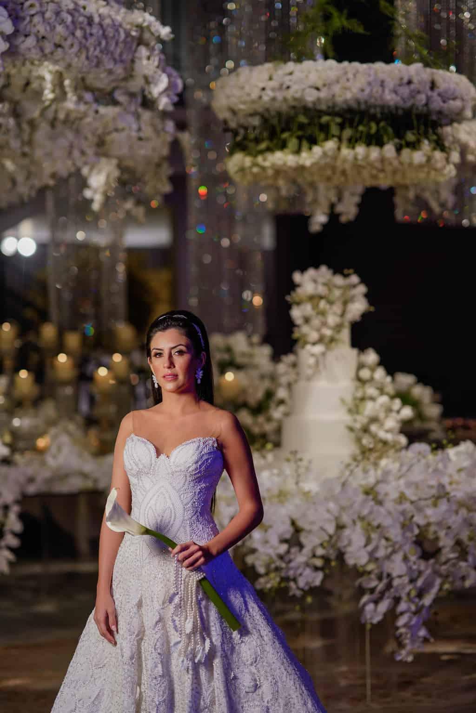 THAYLA-E-BRUNO_0620-foto-da-noiva-Celso-Junior-Espaco-Premium-Vestido-Martha-Medeiros