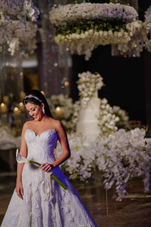 THAYLA-E-BRUNO_0623-foto-da-noiva-Celso-Junior-Espaco-Premium-Vestido-Martha-Medeiros