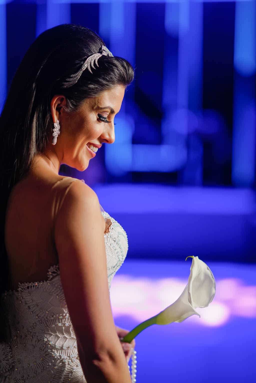 THAYLA-E-BRUNO_0637-foto-da-noiva-Celso-Junior-Espaco-Premium-Vestido-Martha-Medeiros