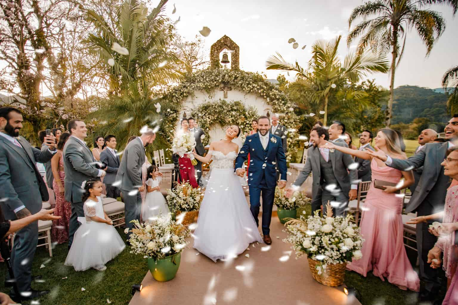 Casamento-Alissa-e-Gustavo-Cerimonial-Manu-Goncalez-Decor-Andrea-Kapps-Fasano-Angra-dos-Reis-Foto-VRebel-Cerimonia381-Edit