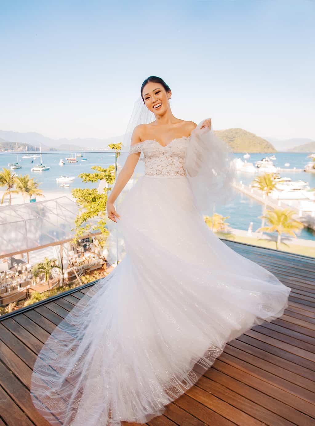 Casamento-Alissa-e-Gustavo-Cerimonial-Manu-Goncalez-Decor-Andrea-Kapps-Fasano-Angra-dos-Reis-Foto-VRebel-G-Junior-Making-of2120-Edit