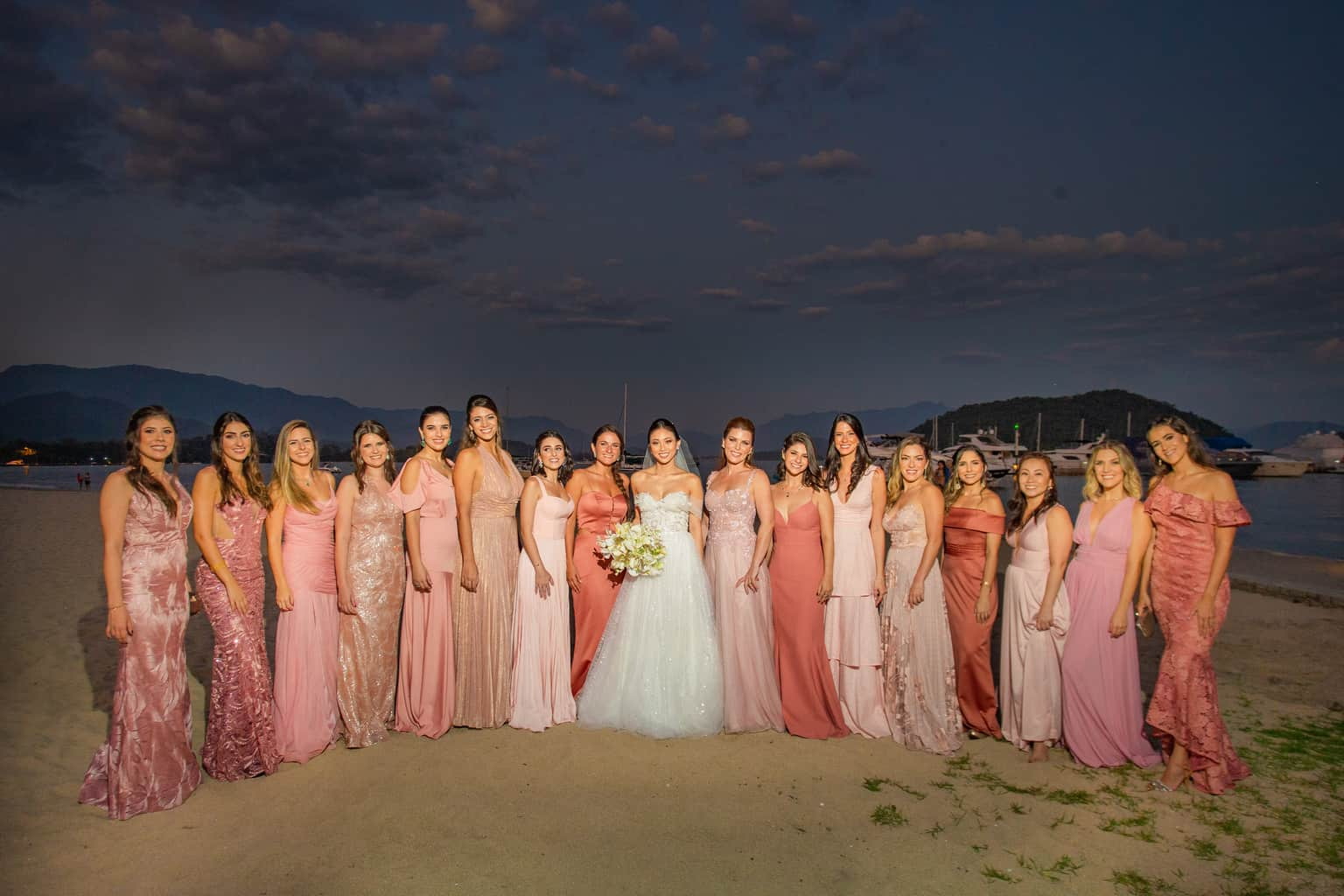 Casamento-Alissa-e-Gustavo-Cerimonial-Manu-Goncalez-Decor-Andrea-Kapps-Fasano-Angra-dos-Reis-Foto-VRebel-G-Junior-Making-of838