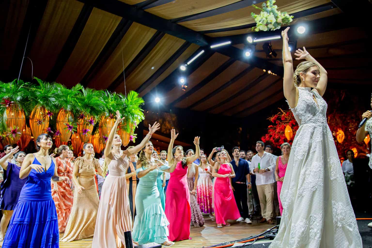 casamento-Taina-e-Hugo-Itapororoca-Villa-Trancoso-Patricia-Galvao-Sotter-Fotografia-festa1417
