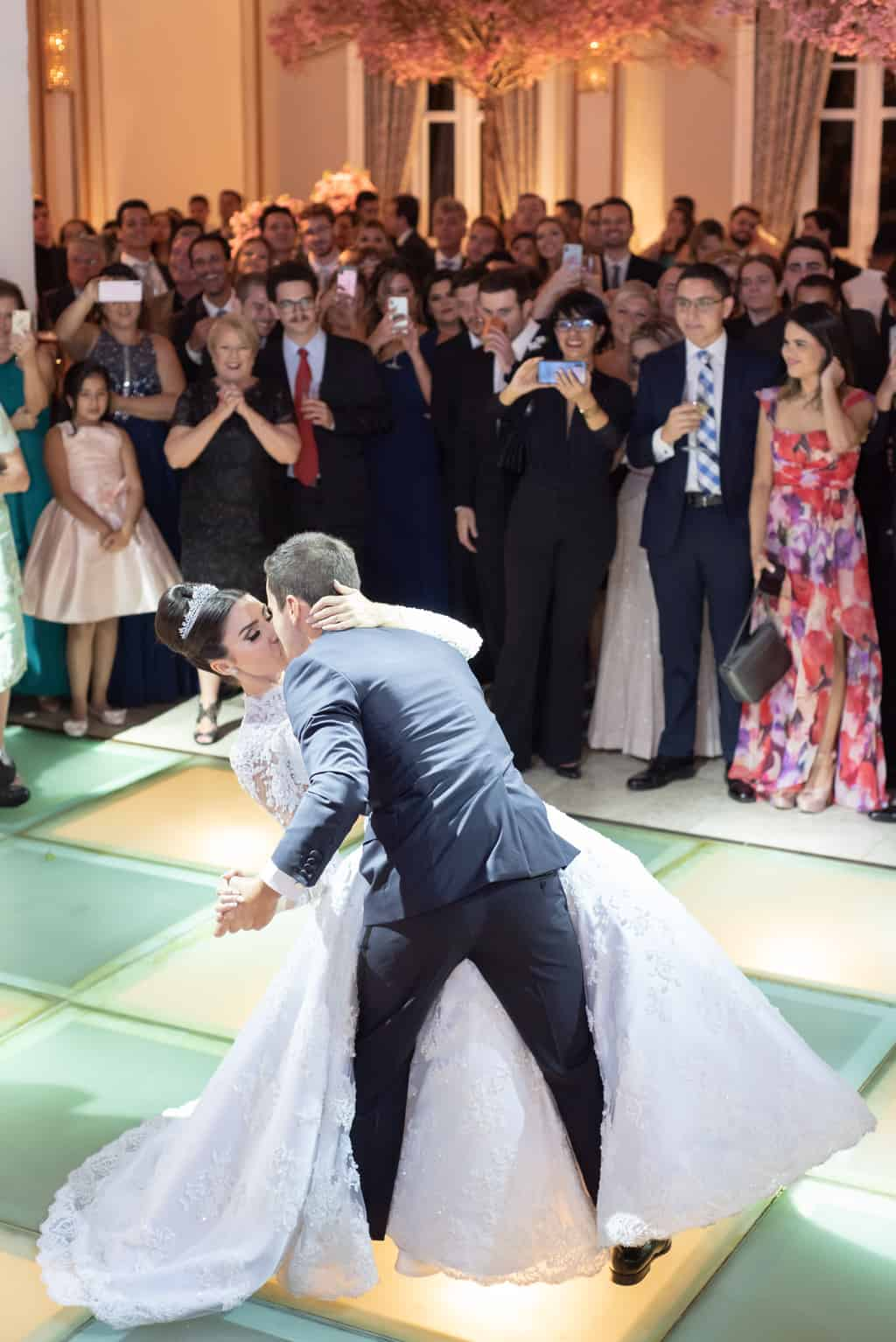 casamento-Patricia-e-Thiago-Copacabana-Palace-Daniel-Curz-A-Roseira-Paula-Rocha-Marina-Fava-festa1527-Patricia-e-Thiago-MFF_1110