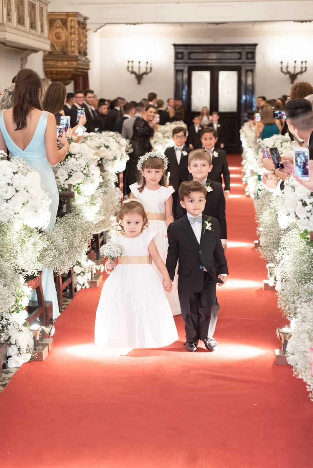casamento-Patricia-e-Thiago-Igreja-Nossa-Senhora-do-Bonsucesso-Paula-Rocha-Marina-Fava-Cerimonia0701-Patricia-e-Thiago-WAL_3574
