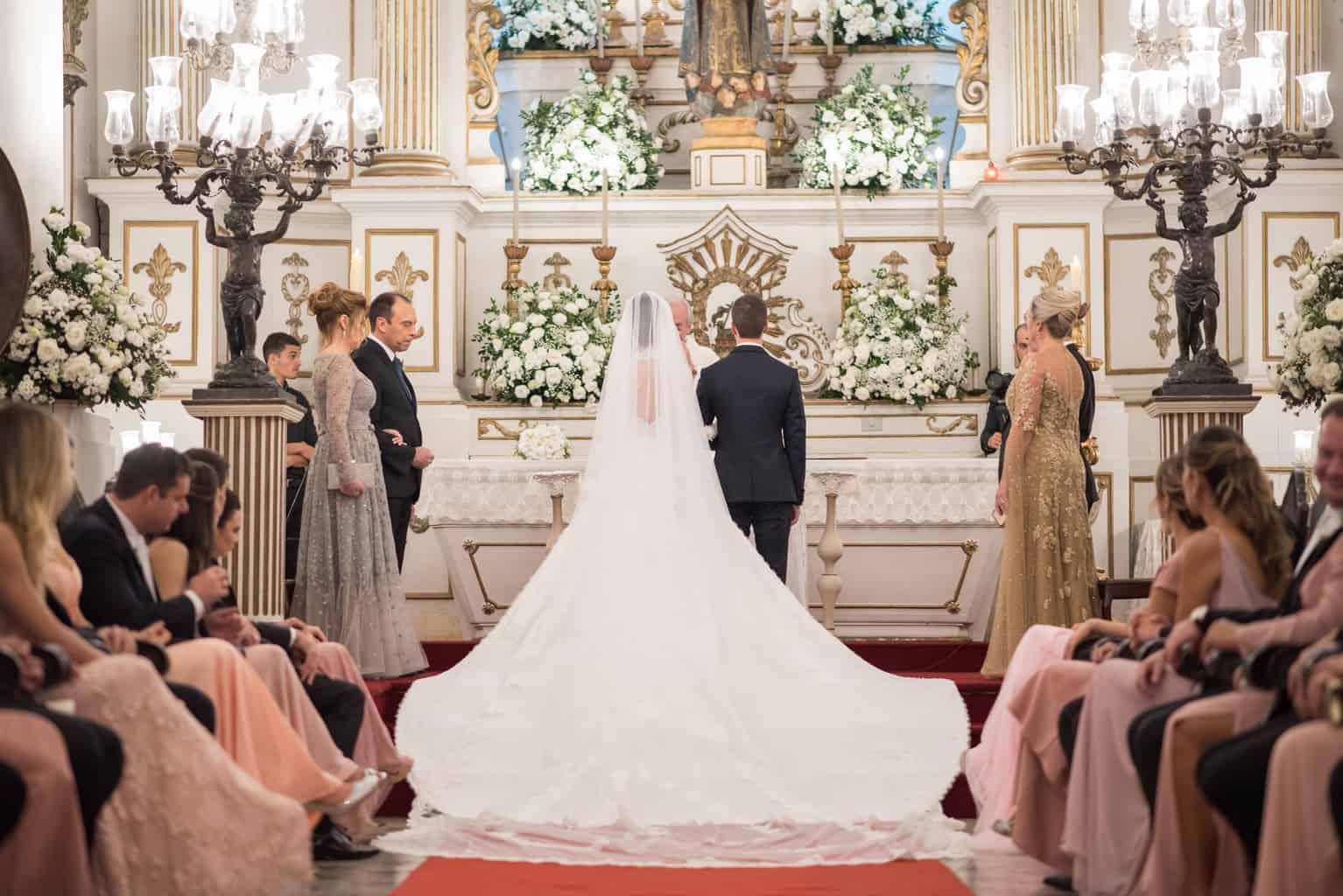 casamento-Patricia-e-Thiago-Igreja-Nossa-Senhora-do-Bonsucesso-Paula-Rocha-Marina-Fava-Cerimonia0789-Patricia-e-Thiago-WAL_3759