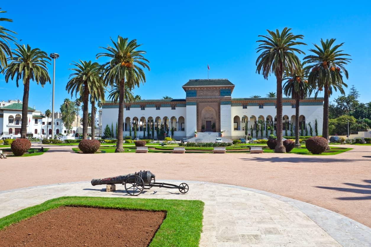 A-Muhammad-Square-V-guarda-algumas-construções-icônicas-e-é-considerada-o-epicentro-do-estilo-Art-Déco-em-Casablanca.