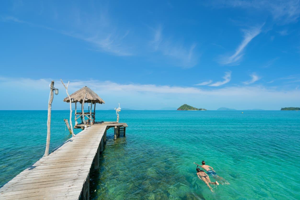 Snorkelling-é-uma-das-atividades-mais-praticadas-em-Anguilla-para-os-casais-que-buscam-aproveitar-o-mar-em-dias-de-sol.