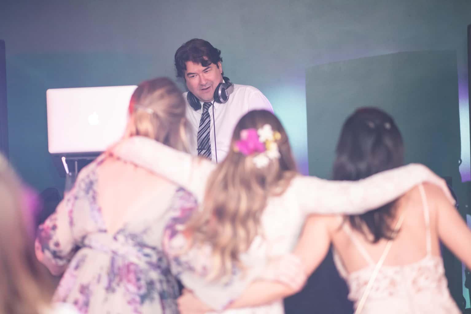 Casamento-Paula-e-Alex-Fotografia-Marina-Fava-Dj-Taw-Rastropop