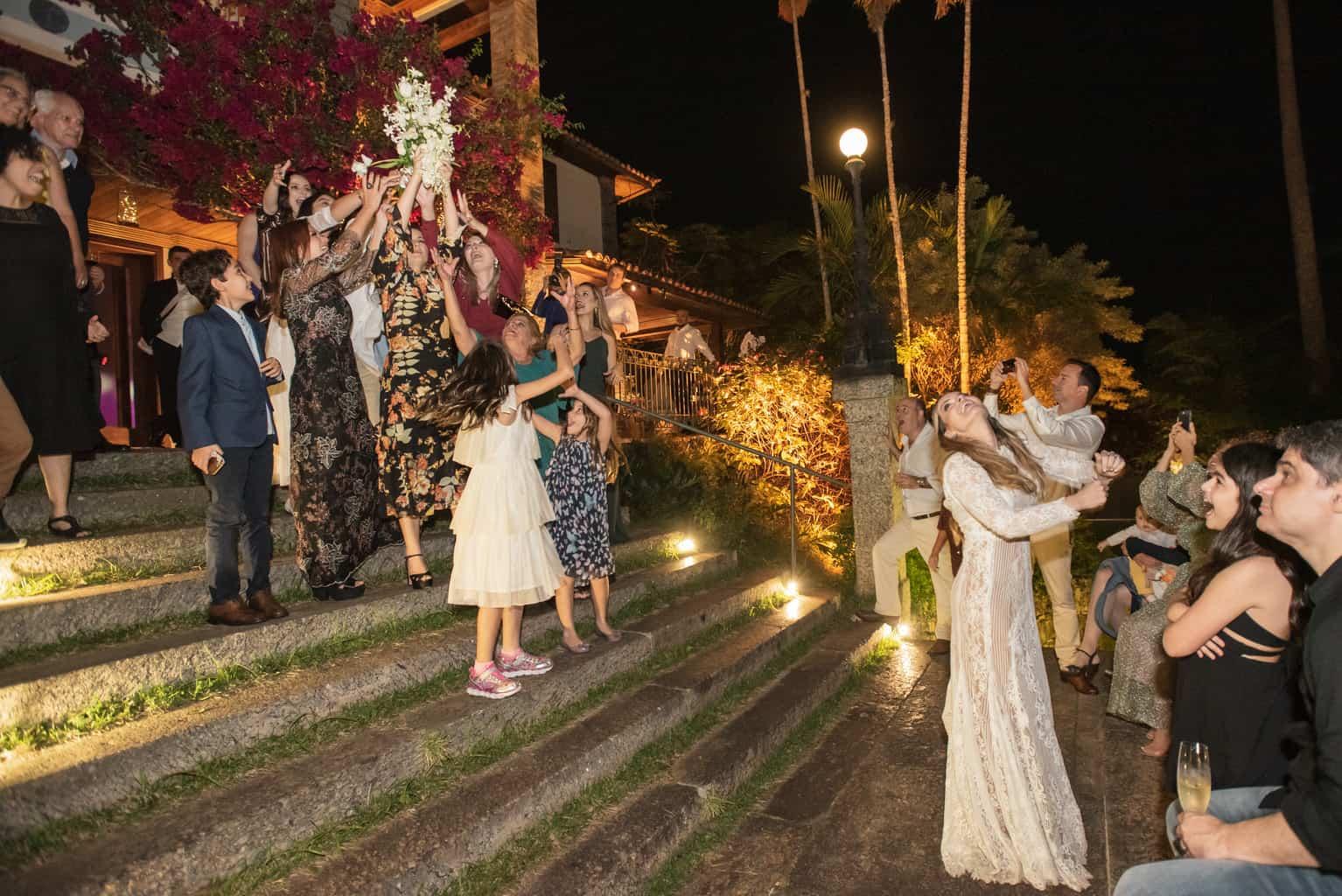 Casamento-Paula-e-Alex-Fotografia-Marina-Fava-buque