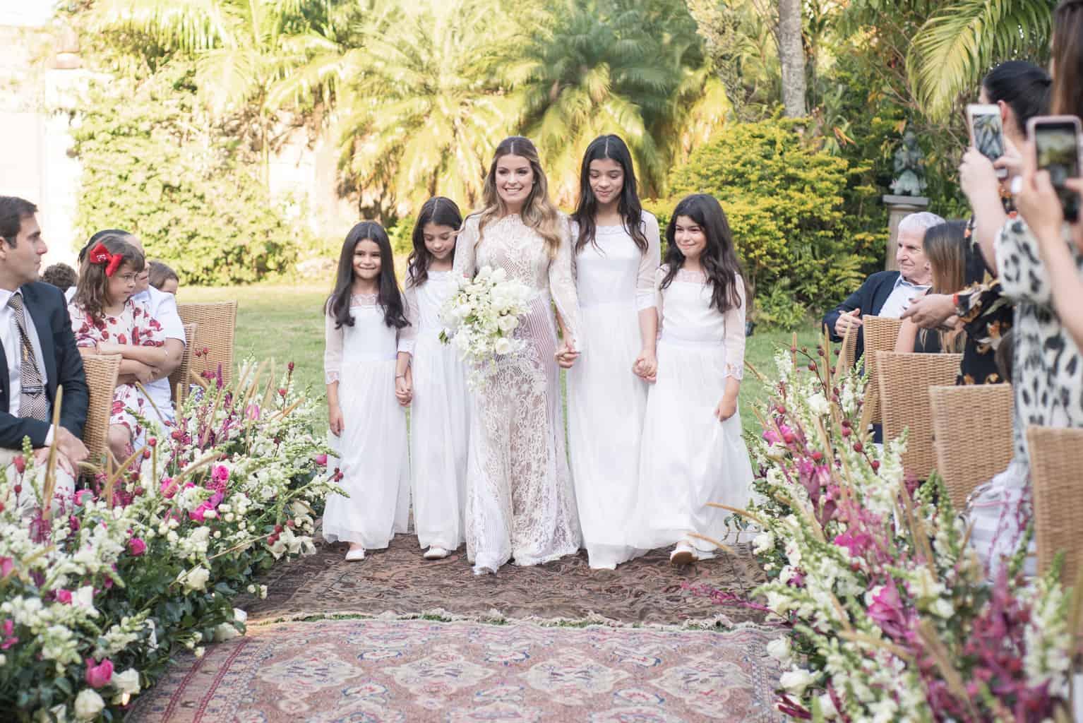 Casamento-Paula-e-Alex-Fotografia-Marina-Fava-cerimonia-entrada-da-noiva