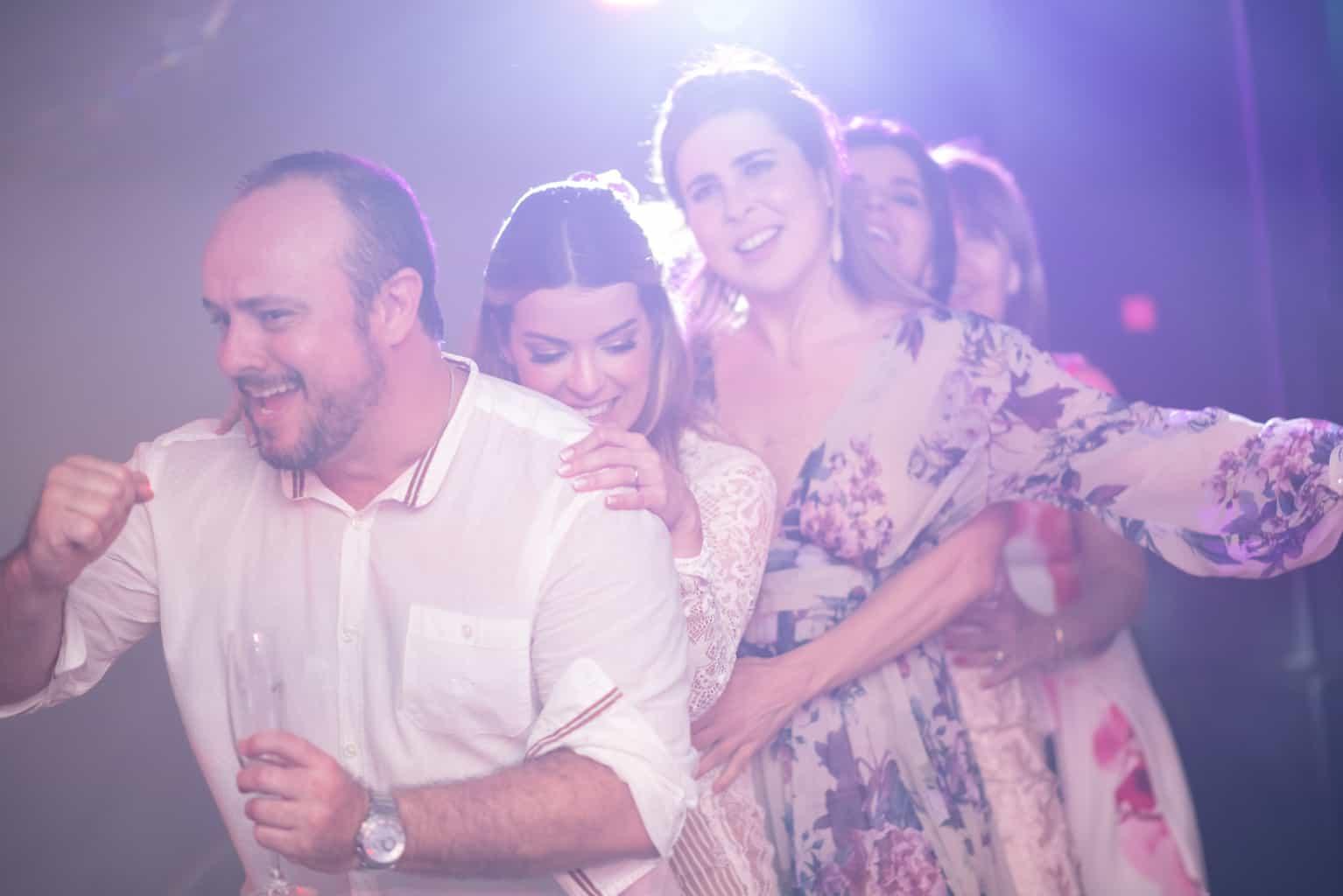 Casamento-Paula-e-Alex-Fotografia-Marina-Fava-pista-de-dança