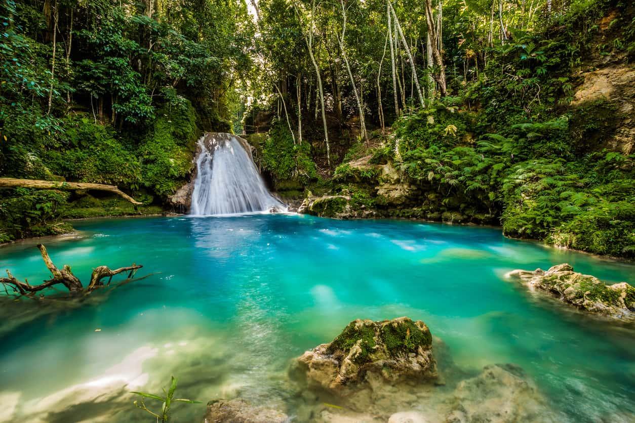 Lua-de-mel-na-Jamaica-Blue-Hole-Jamaica