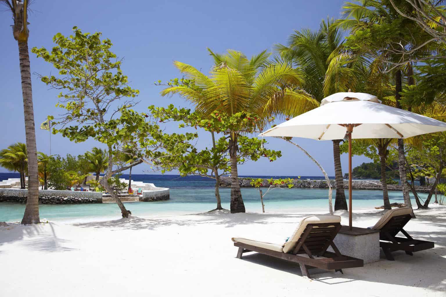 Lua-de-mel-na-Jamaica-GoldenEye-1-scaled